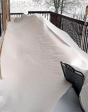 20050410-snowyporch